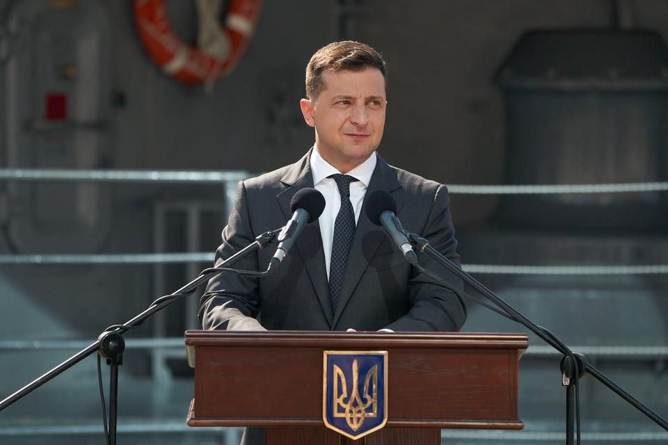 Украинский президент записал видеообращение. Фото: официальная страница Владимира Зеленского на Facebook