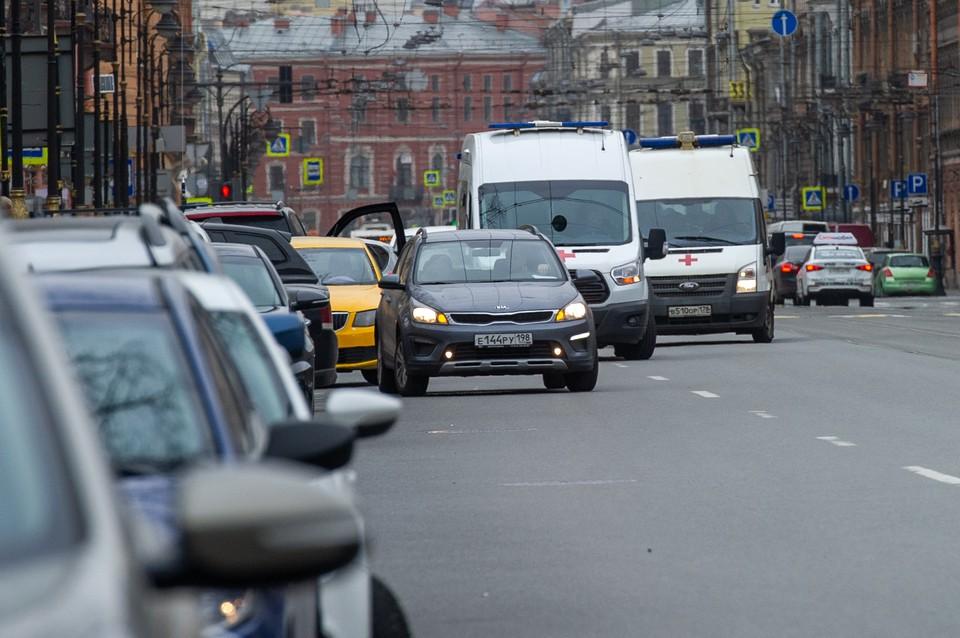 Петербург встал в 7-балльные пробки вечером в четверг