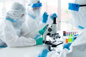 Открытие века или преждевременные надежды: спасет ли человечество открытый российскими учеными суперантибиотик
