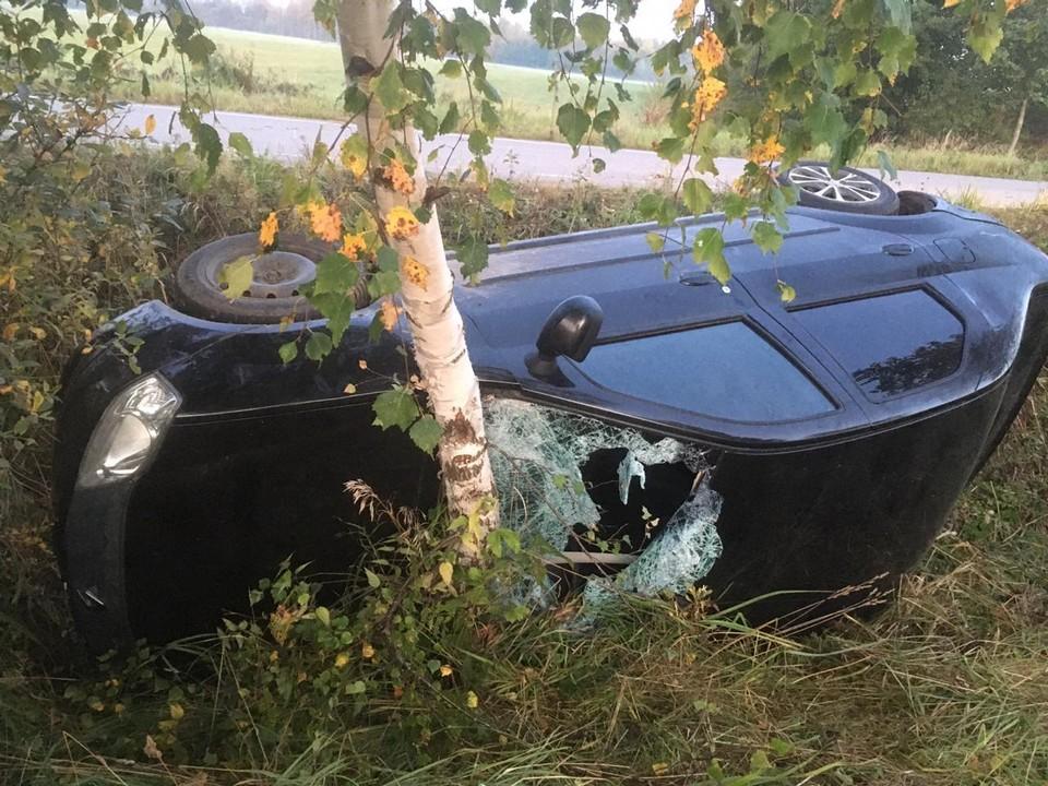В ДТП пострадал водитель иномарки Фото: УГИБДД России по Тверской области