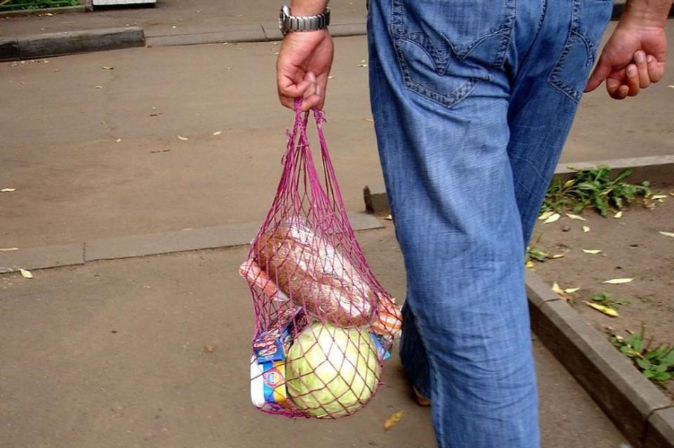 Эксперты выяснили, что жители Москвы и Санкт-Петербурга готовы отказаться от пластиковой посуды