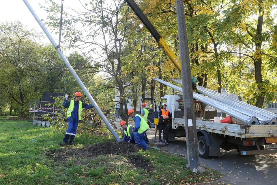 Всего в Дачном планируется установить более 600 светодиодных светильников. Фото: пресс-служба администрации Санкт-Петербурга