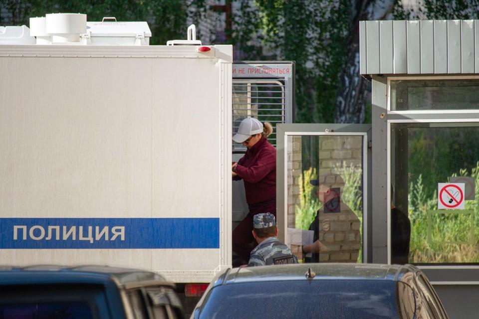 В Башкирии вынесли приговор кассирше, похитившей из банка 25 млн рублей