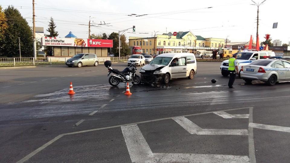 Авария произошла на перекрестке в районе автовокзала