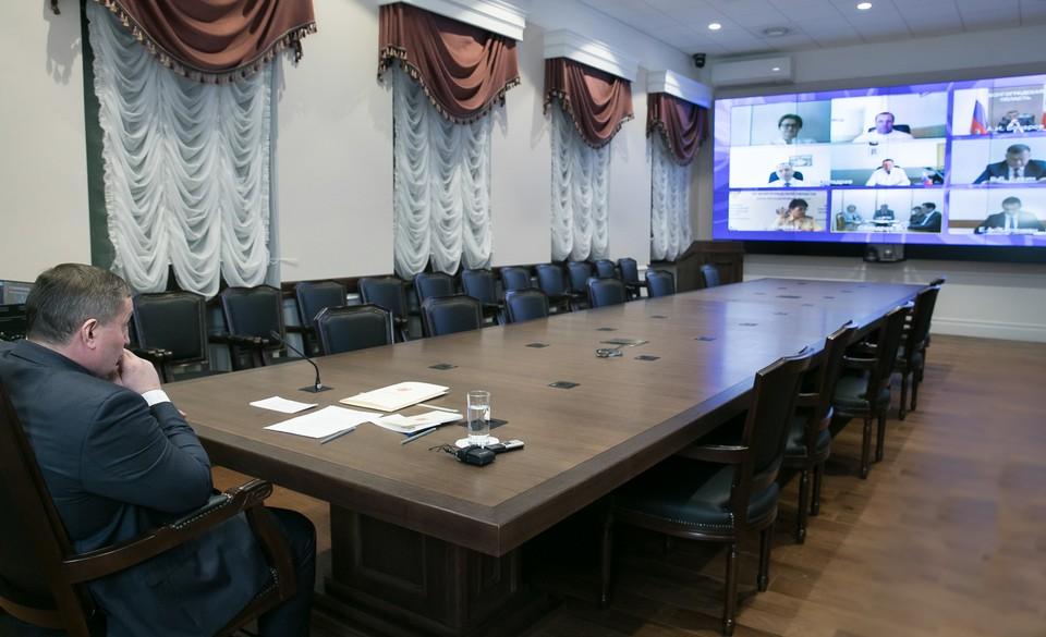 Андрей Бочаров решил собрать оперштаб. Фото: администрация Волгоградской области.