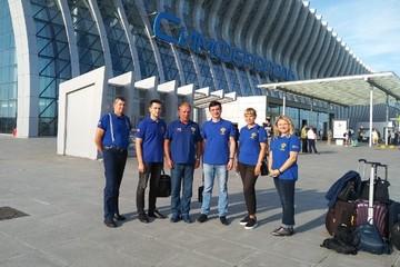 «Ангелы в синей униформе»: летевшие в Крым для работы с ковидными больными красноярские врачи спасли пассажирку на борту самолета