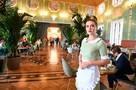 Чаевые только добровольно: поощрение для официантов запретили включать в счет
