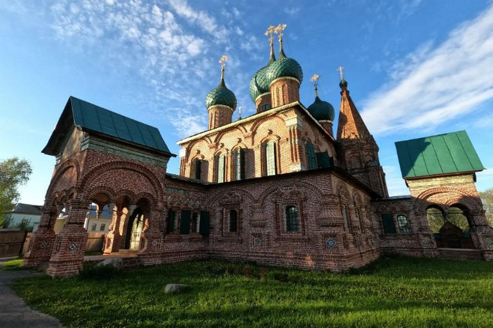 Стройка развернулась около церкови Иоанна Златоуста в Коровниках. ФОТО: страница Ольги Мазановой в Фейсбуке