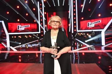 После победы на шоу «Голос. 60+» Дина Юдина из Петербурга ушла на больничный