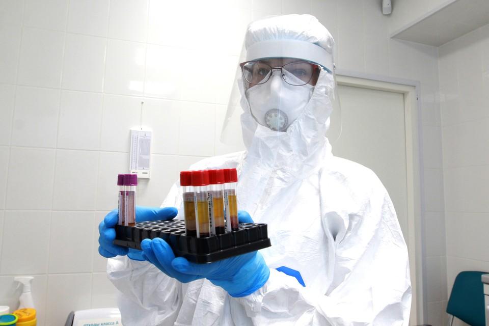 Как коронавирус распространяется, до сих пор неясно.