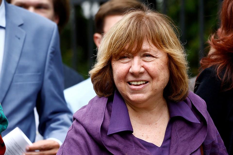 Светлана Алексиевич, жизнь положившая на борьбу с тоталитаризмом, предложила наказать санкциями не только белорусских госслужащих, но их жен и детей