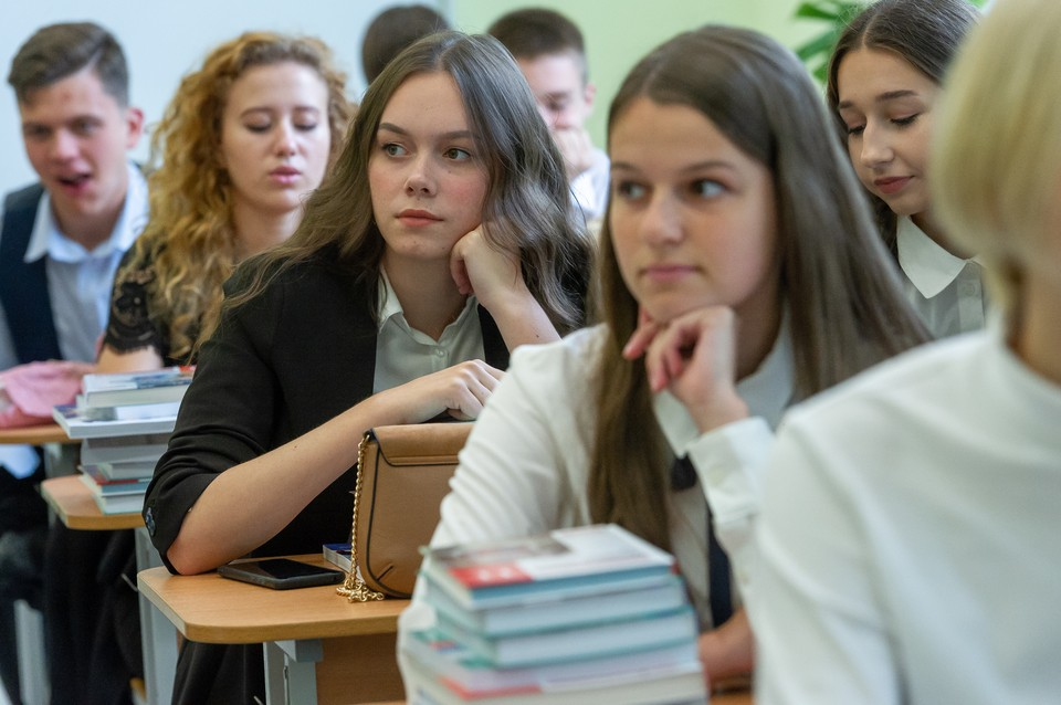 В регионе пока не видят предпосылок для перевода школ на дистанционный режим обучения