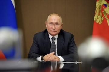 Путин рассказал, что дарят ему на день рождения внуки