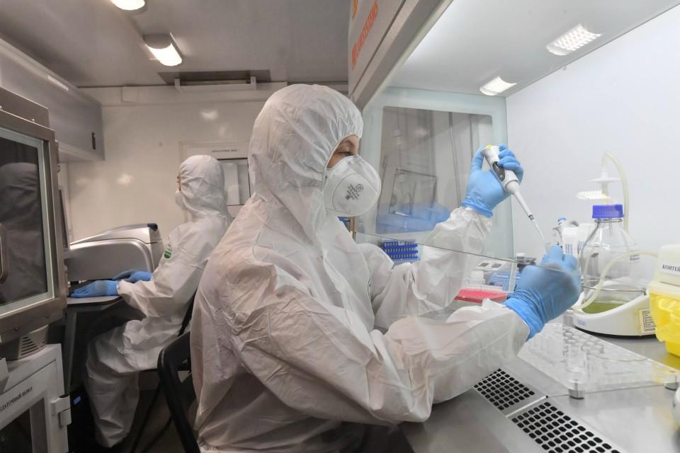 Учителей вновь проверят на коварный коронавирус.