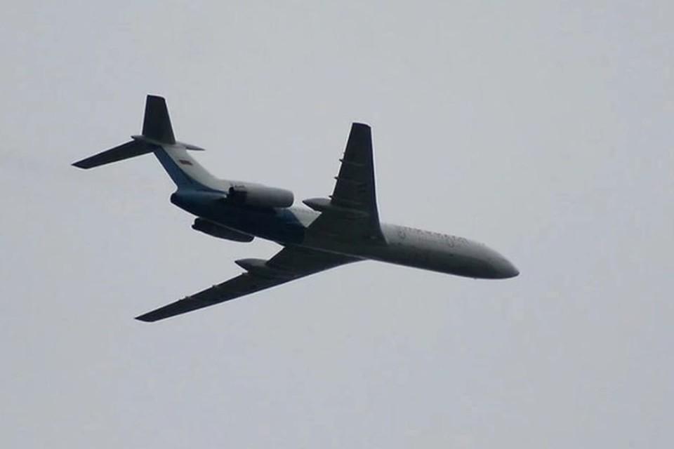 Самолет летел из Москвы в Горно-Алтайск.