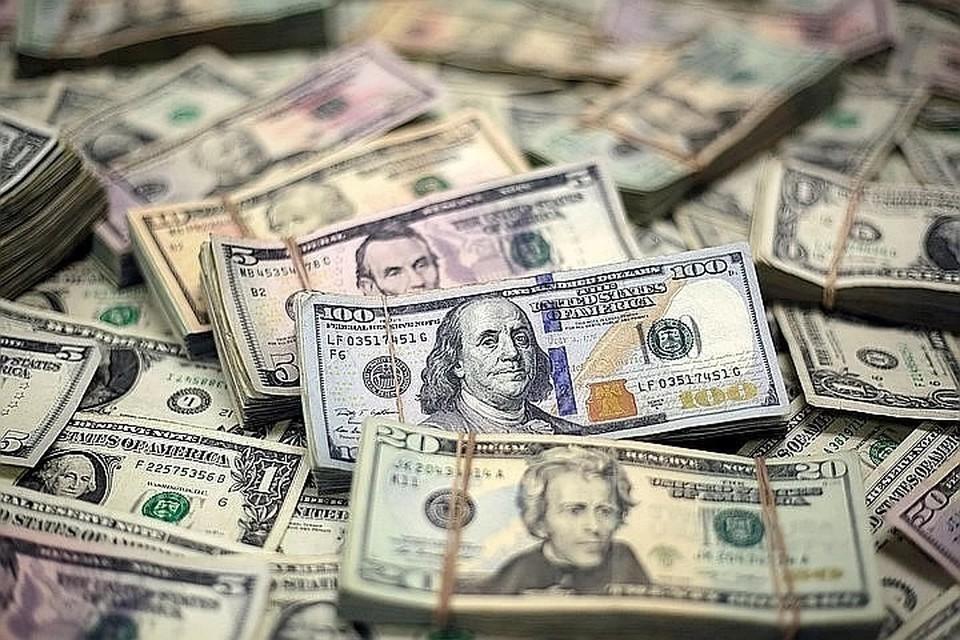 Аналитик назвала пять причин падения рубля