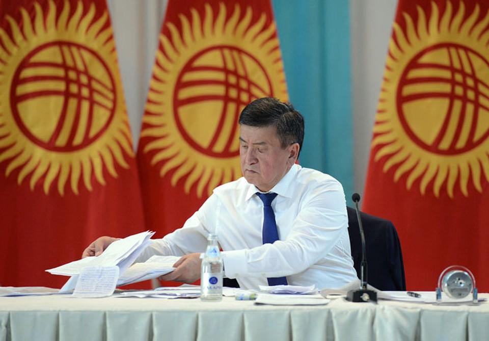 Сооронбай Жээнбеков объяснил, почему ушел с поста в такое сложное для страны время.