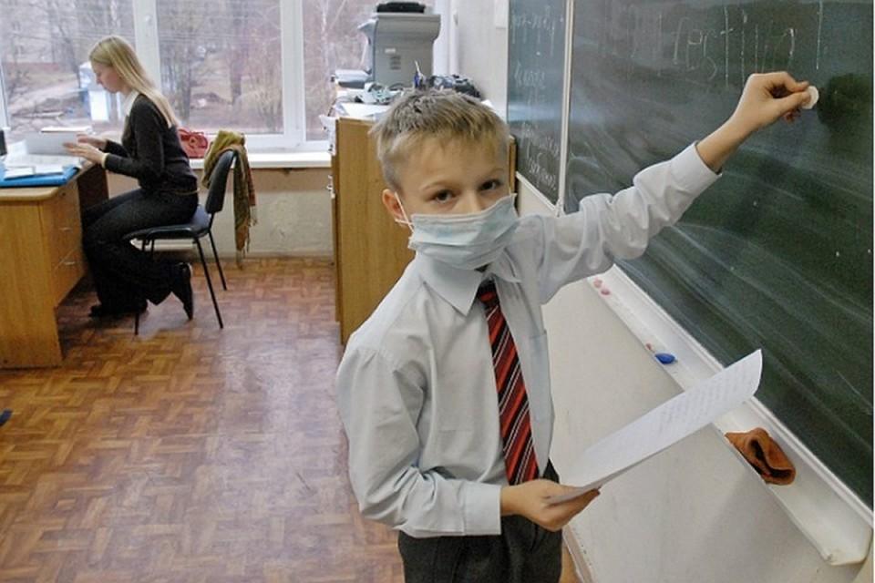 О заболевших коронавирусом учителях рассказали в кузбасском Роспотребнадзоре