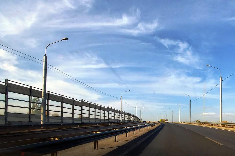 Новая трасса пойдет через пойму от моста до моста.