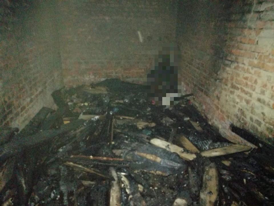 Пожар мог начаться из-за разведенного в гараже костра
