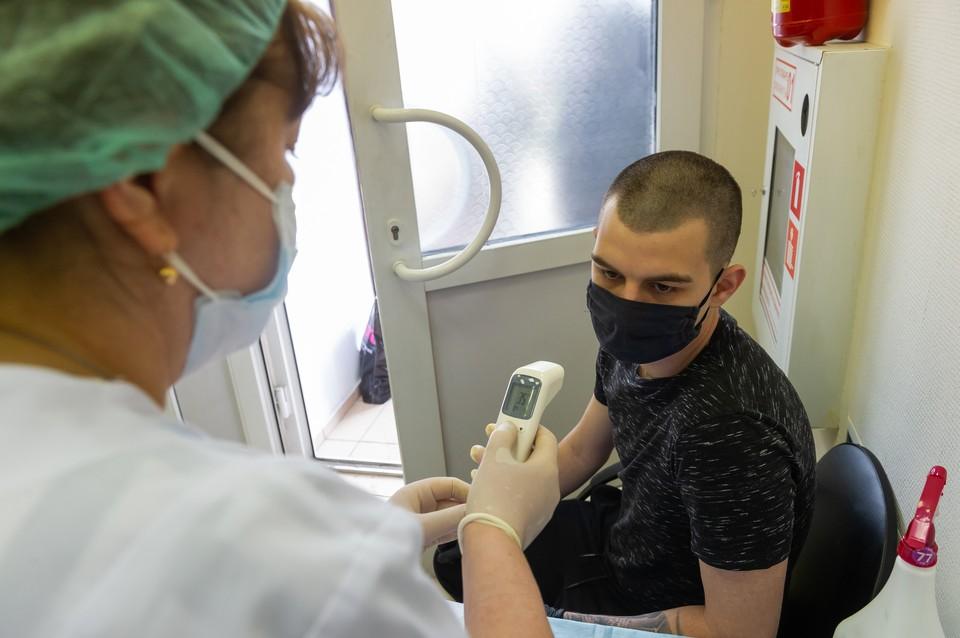 По словам доктора, антитела могут вновь выработать в течение двух дней