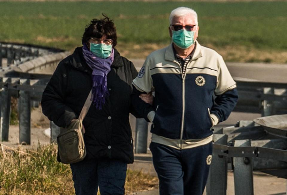 Ношение масок в общественных местах становится обязательным в Швейцарии