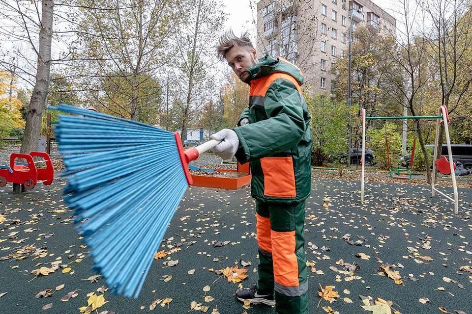 Корреспондент «Комсомолки» честно отработал смену. Уж лучше, чем валяться на диване и копить долги