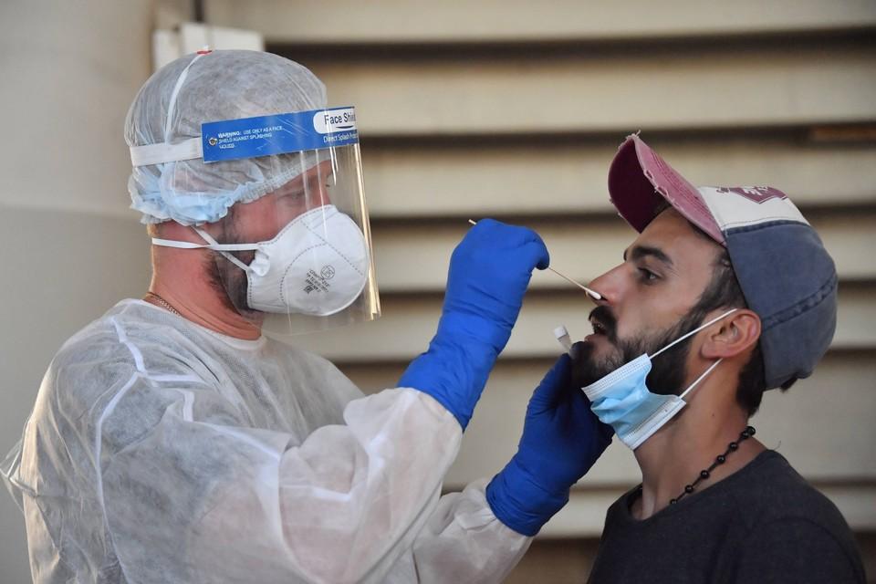 Наибольшее число новых заболевших зафиксировано в Москве - 5 376 человек.