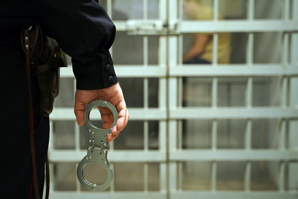 Преступники дали признательные показания, сейчас с ними работают следователи.