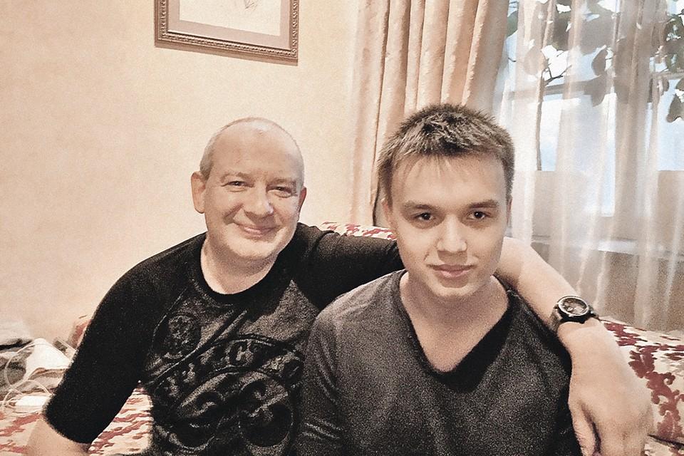 Когда артиста не стало, его сыну Даниилу был 21 год. Фото: Ольга АНОСОВА/Facebook