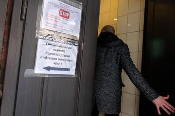 Либо терпите, либо платите: Почему в Санкт-Петербурге стало сложнее сдать тест на коронавирус