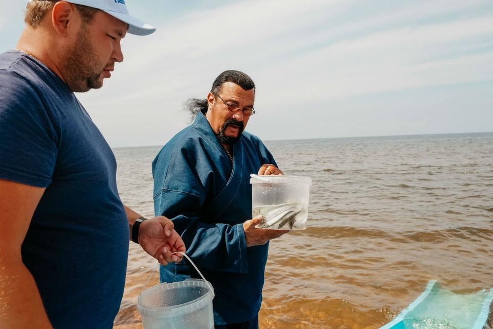 Стивен Сигал пообещал защитить Байкал строгими законами