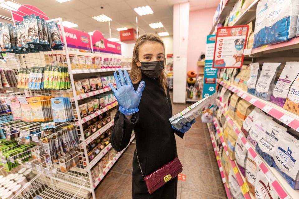 Волгоградцы обязательно должны надевать маски и перчатки в местах общего пользования и транспорте