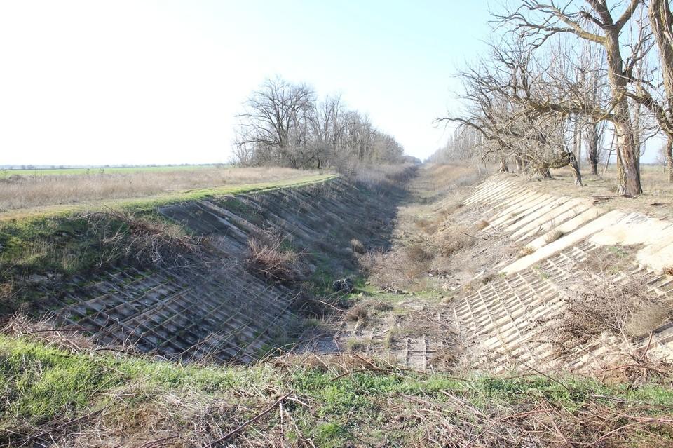 Именно власти Украины перекрыли подачу воды из Днепра в Крым.