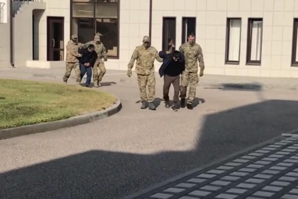 Видео задержания сообщников Басаева и Хаттаба, участвовавших в нападении на Дагестан, опубликовало ФСБ