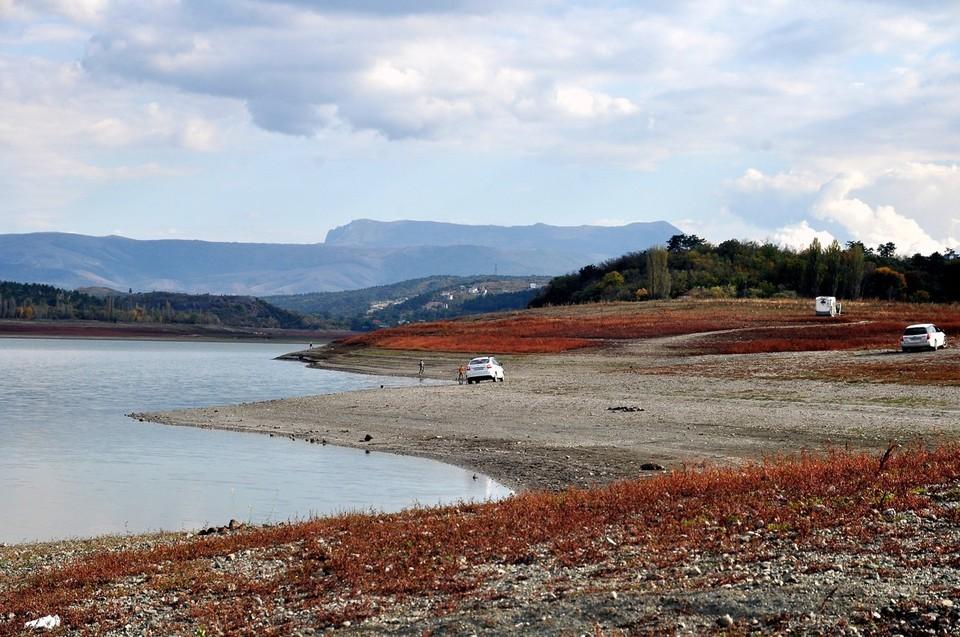 Крымские водохранилища начнут пополняться водой только с ноября.