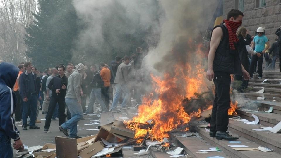 Операция «7 апреля 2009 г.» - это только одно событие, в которых были замешены НПО, финансируемые Соросом. Фото:соцсети