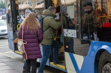 «Ребенка протащило 100 метров»: Школьника зажало дверью автобуса в Санкт-Петербурге