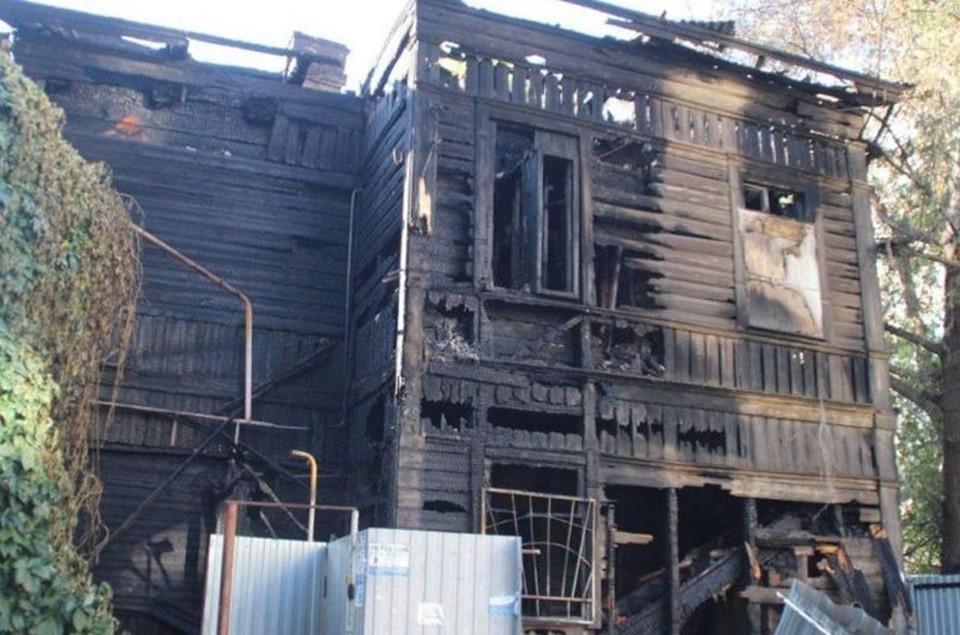 Семья жила в двухэтажном доме на Вольской