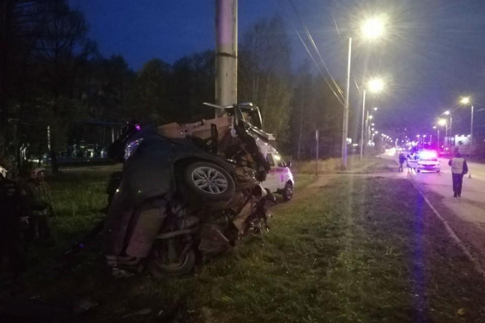 Авария произошла на Кохомском шоссе в Иванове сегодня, 25 октября, в шестом часу утра. ФОТО: УМВД России по Ивановской области