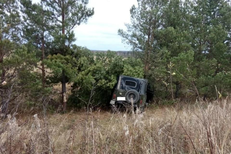 Удар оказался слишком сильным, и водитель получил серьезные травмы. Фото: vk.com/gibdd43