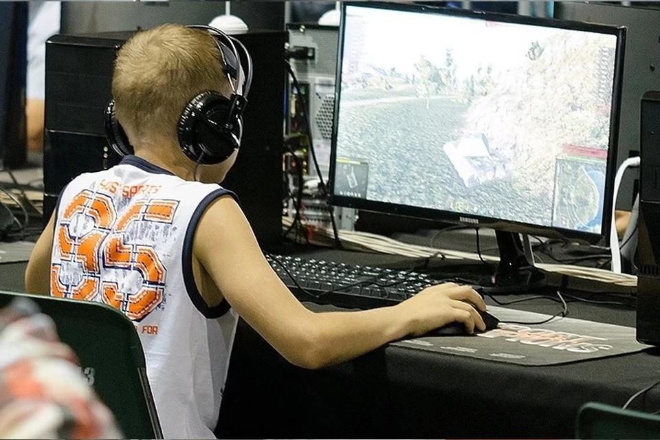 Россияне все чаще ограничивают доступ детей в интернет