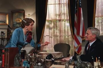 Каким получился сериал «Пересекая Атлантику»: Звезда «Твин Пикс» Кайл Маклахлен в роли влюбленного президента