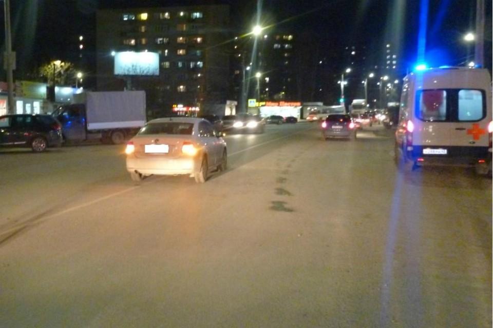 Мальчик перебегал дорогу в неположенном месте, когда на него наехала легковушка. Фото: vk.com/gibdd43