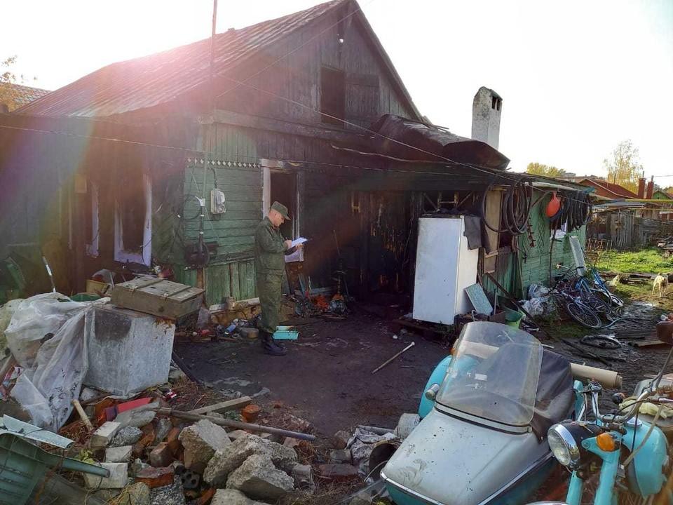 В Тамбовской области разыскивают мужчину, который поджег дом со своей семьей