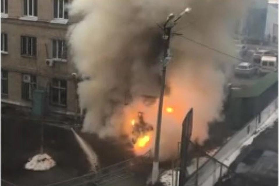 Кислородная будка взорвалась за считанные минуты. Фото: Никита Калязин