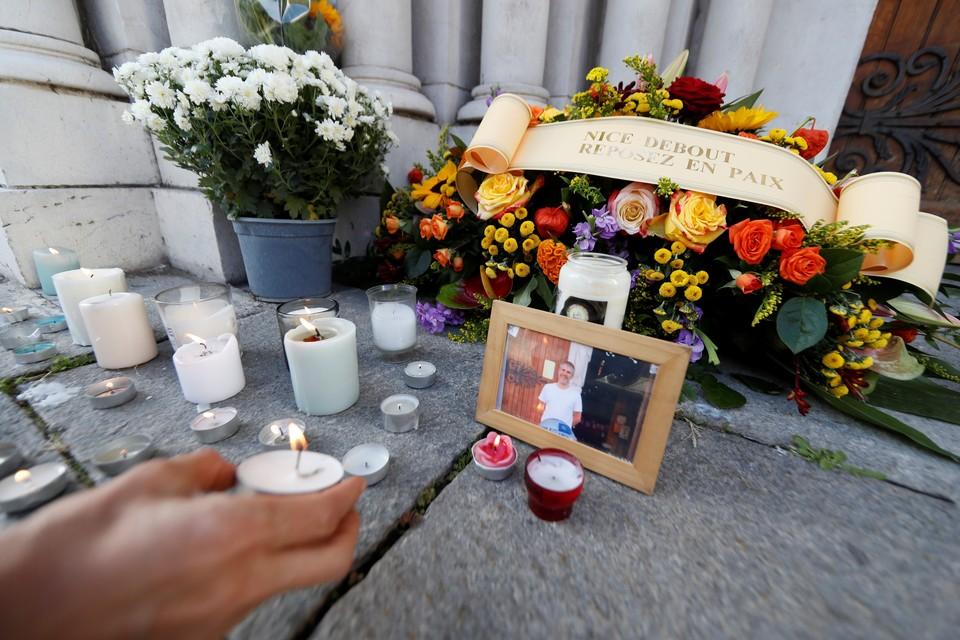 30 октября в Ницце вспоминали жертв произошедшего накануне теракта