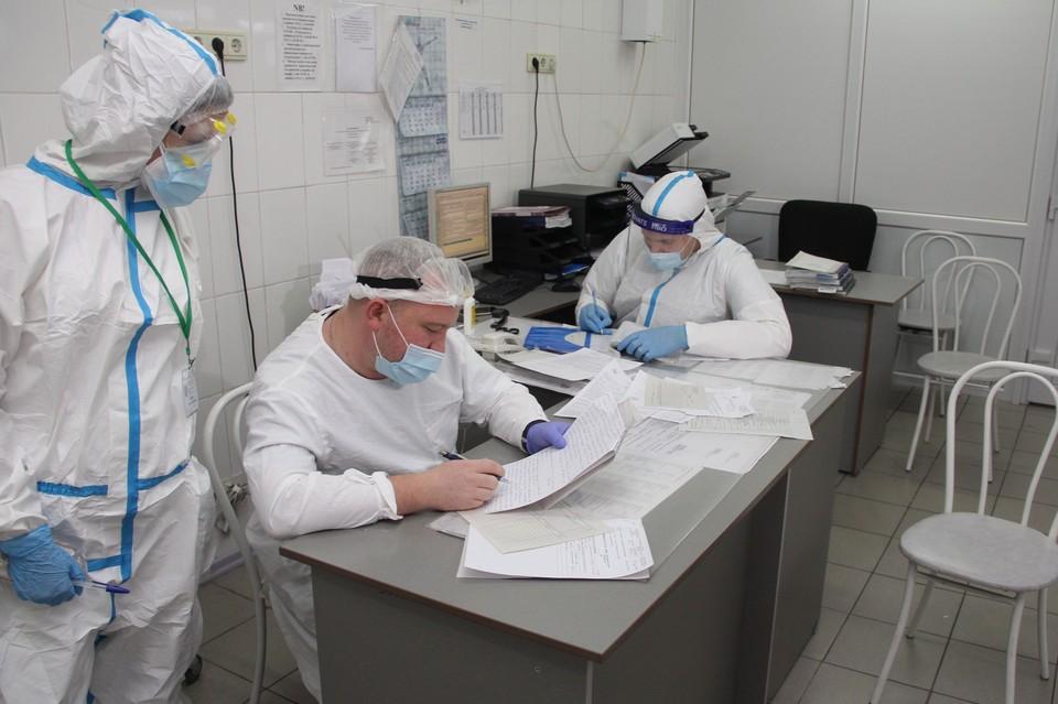 В медучреждении работают 76 студентов из базового медицинского колледжа и Алтайского государственного медицинского университета. Фото: минздрав региона.
