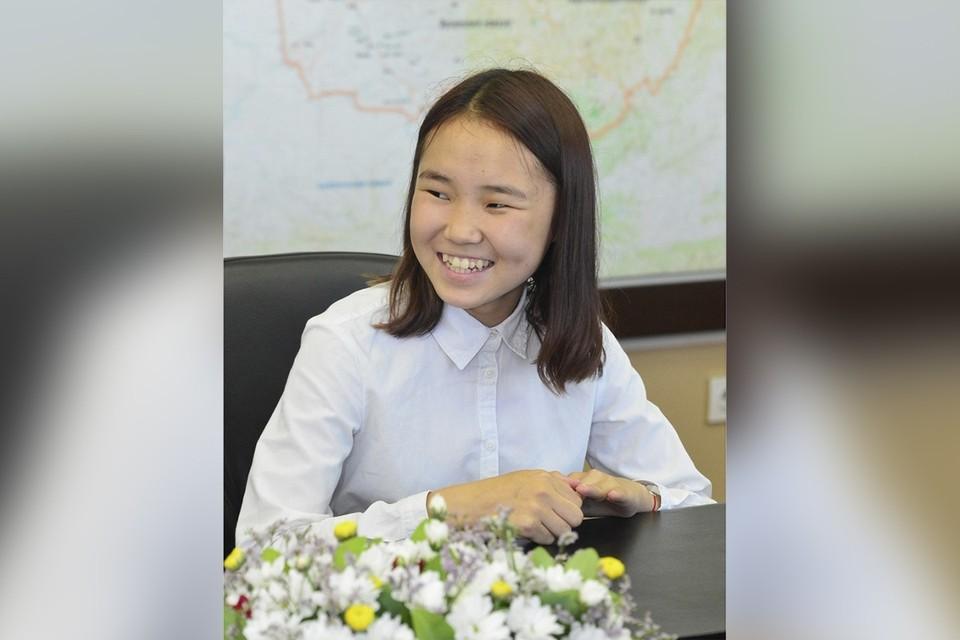 18-летняя Ай-Кыс Кыргыс из Тувы вышла в финал четвертого сезона шоу «Ты супер» на НТВ. Фото: Шолбан Кара-Оол, страница в соцсетях.