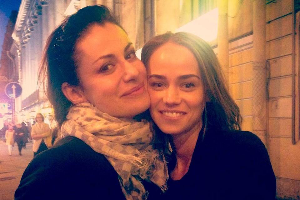 Катерина Ковальчук (справа) со своей знаменитой сестрой актрисой Анной Ковальчук